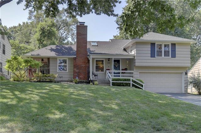 2809 W 73RD Street, Prairie Village, KS 66208 (#2117498) :: NestWork Homes