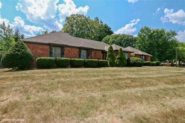 1209 NW 3rd Street, Blue Springs, MO 64014 (#2118340) :: NestWork Homes