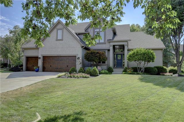 14500 Outlook Street, Overland Park, KS 66223 (#2118749) :: Edie Waters Network