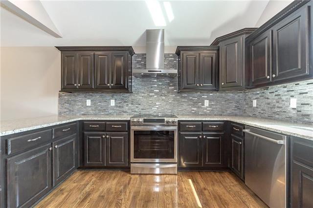 12825 Lathrop Avenue, Kansas City, KS 66109 (#2119199) :: Edie Waters Network
