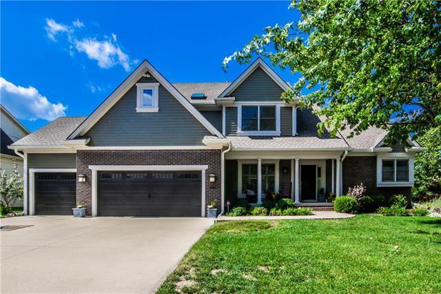 9012 N Manning Avenue, Kansas City, MO 64157 (#2119250) :: Char MacCallum Real Estate Group