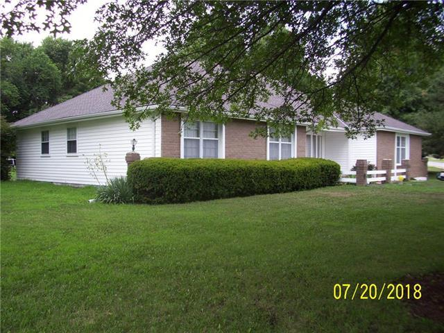 408 S Countryside Drive, Louisburg, KS 66053 (#2119701) :: Edie Waters Network