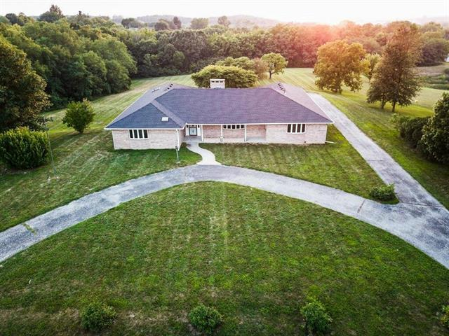 18686 Evergreen Drive, Country Club, MO 64505 (#2120304) :: Edie Waters Network