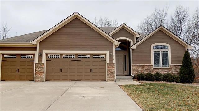 1306 Faulkner Drive, Pleasant Hill, MO 64080 (#2120598) :: Edie Waters Network
