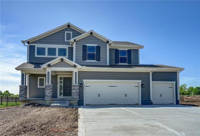 1805 NE Griffin Drive, Lee's Summit, MO 64086 (#2120660) :: House of Couse Group