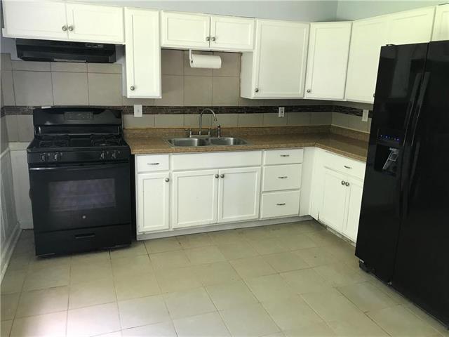 7421 College Avenue, Kansas City, MO 64132 (#2120859) :: Char MacCallum Real Estate Group