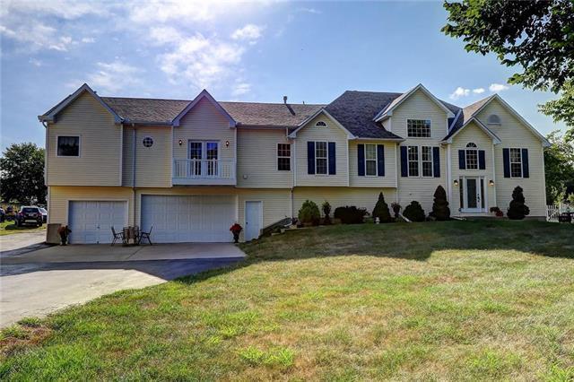 3310 S Fields Road, Oak Grove, MO 64075 (#2121008) :: Char MacCallum Real Estate Group