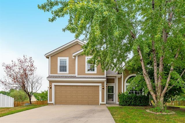 21711 W 50th Terrace, Shawnee, KS 66226 (#2121162) :: Edie Waters Network