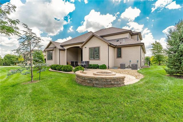 15716 Mohawk Street, Overland Park, KS 66224 (#2121488) :: Char MacCallum Real Estate Group