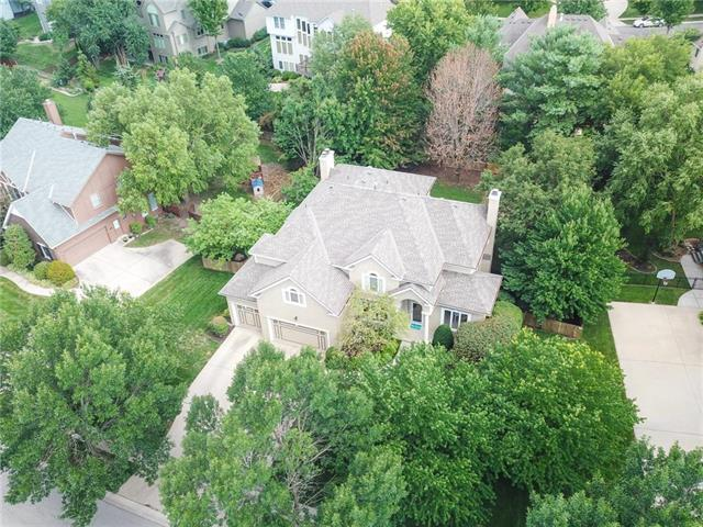 3205 W 132nd Street, Leawood, KS 66209 (#2121752) :: No Borders Real Estate