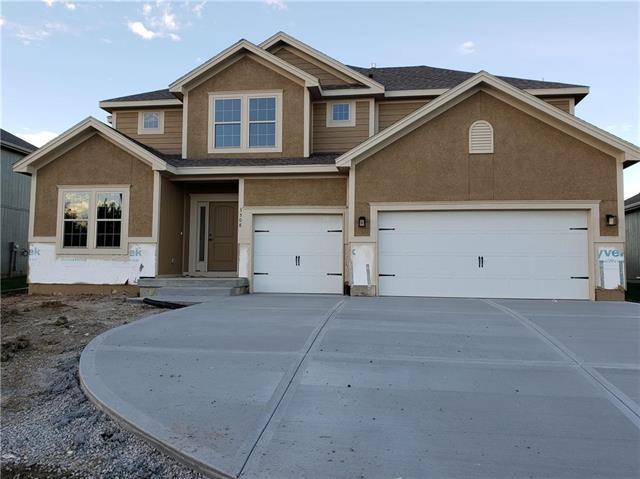 9028 N Askew Avenue, Kansas City, MO 64155 (#2122540) :: No Borders Real Estate