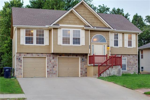 402 Division Street, Knob Noster, MO 65336 (#2122545) :: The Shannon Lyon Group - ReeceNichols