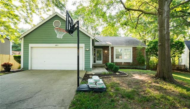 408 NW 41st St Terr Court, Blue Springs, MO 64015 (#2122587) :: Edie Waters Network