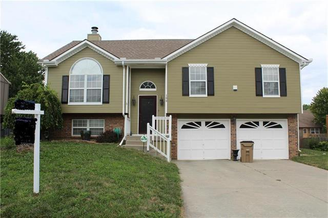 100 W Calico Drive, Raymore, MO 64083 (#2122639) :: Edie Waters Network