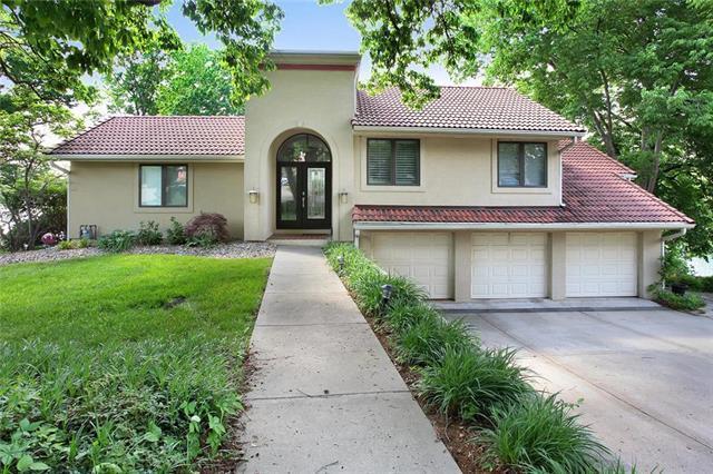 7606 NW Eastside Drive, Weatherby Lake, MO 64152 (#2122839) :: HergGroup Kansas City
