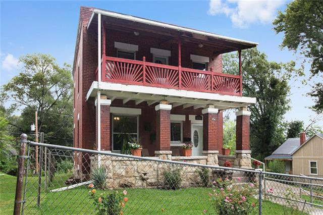 854 Riverview Avenue, Kansas City, KS 66101 (#2124168) :: Edie Waters Network