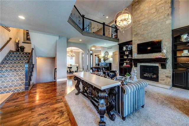 16449 Garnett Street, Overland Park, KS 66221 (#2124236) :: Char MacCallum Real Estate Group