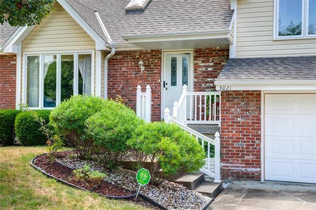 3021 NW 57th Street, Kansas City, MO 64151 (#2124297) :: Char MacCallum Real Estate Group