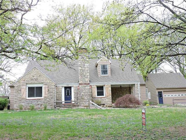 1822 S Drumm Avenue, Independence, MO 64055 (#2124417) :: House of Couse Group