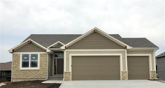 17127 W 197th Place, Spring Hill, KS 66083 (#2124551) :: Edie Waters Network