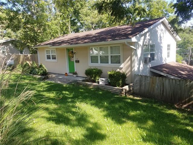 211 Dunbar Avenue, Excelsior Springs, MO 64068 (#2124556) :: Edie Waters Network
