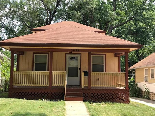 5629 Garfield Avenue, Kansas City, MO 64130 (#2124557) :: Edie Waters Network
