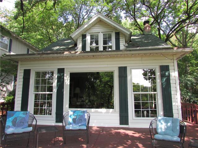402 Lake Forest Drive, Bonner Springs, KS 66012 (#2124667) :: Team Real Estate