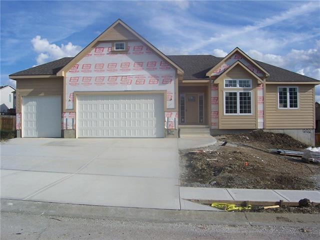 1202 Ridge Tree Lane, Pleasant Hill, MO 64080 (#2124921) :: No Borders Real Estate