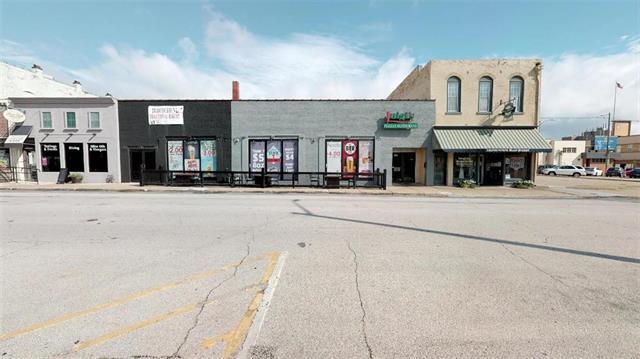 418 Cherokee Street, Leavenworth, KS 66048 (#2124941) :: Char MacCallum Real Estate Group