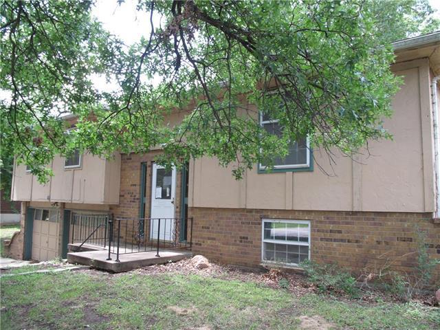 770 Sheidley Avenue, Bonner Springs, KS 66012 (#2124968) :: Edie Waters Network