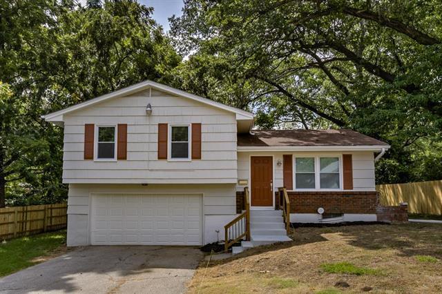 8020 Highland Avenue, Kansas City, MO 64131 (#2125068) :: Edie Waters Network