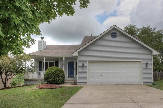 3809 NW Hidden Point Drive, Blue Springs, MO 64015 (#2125115) :: Team Real Estate