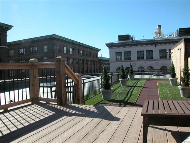 308 W 8th Street #320, Kansas City, MO 64105 (#2125201) :: Char MacCallum Real Estate Group