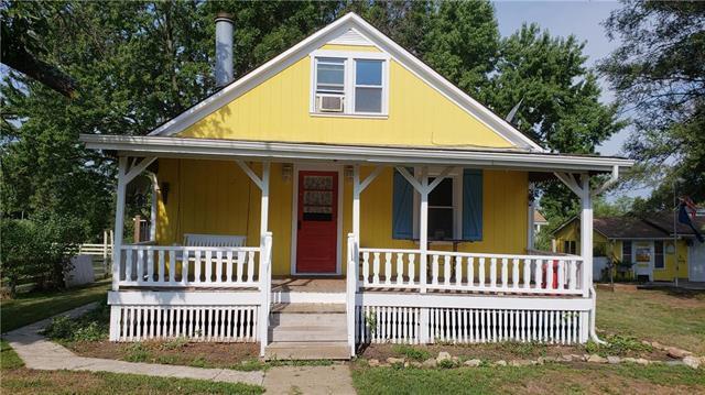 19860 S Vine Street, Spring Hill, KS 66083 (#2125249) :: Edie Waters Network