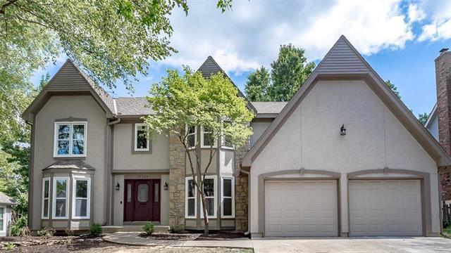 15749 W Beckett Lane, Olathe, KS 66062 (#2125646) :: No Borders Real Estate