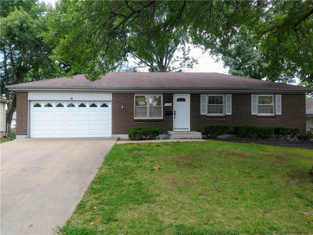 17019 E 31st Street S Street, Independence, MO 64055 (#2125690) :: Team Real Estate