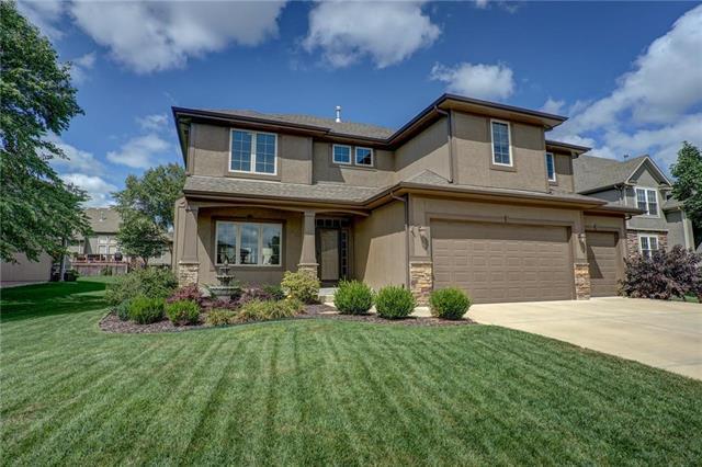 11438 S Lakecrest Drive, Olathe, KS 66061 (#2125703) :: Team Real Estate
