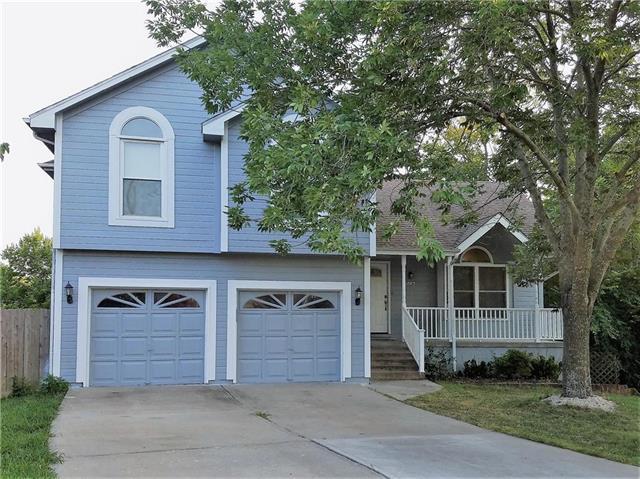 1503 NE Springwood Drive, Lee's Summit, MO 64086 (#2125736) :: Team Real Estate