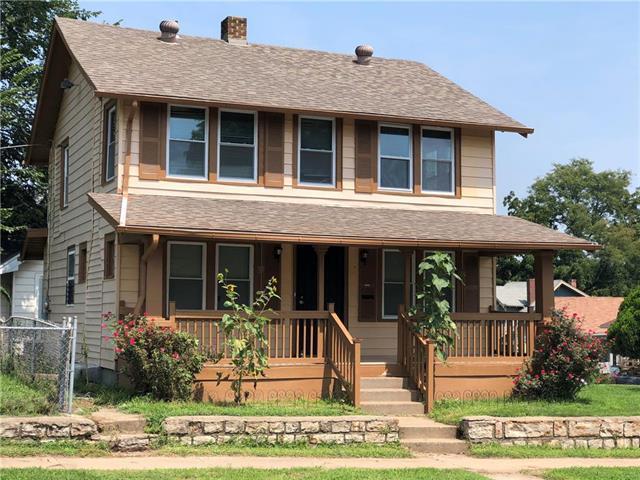 4918 Smart Avenue, Kansas City, MO 64124 (#2125922) :: Edie Waters Network