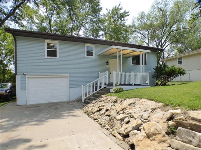 1121 Cordell Street, Excelsior Springs, MO 64024 (#2126041) :: Edie Waters Network