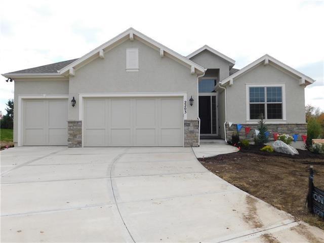 2203 W 132nd Street, Leawood, KS 66209 (#2126058) :: No Borders Real Estate