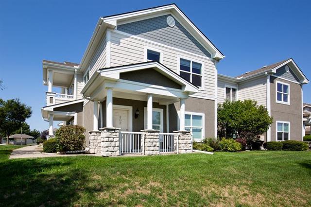 11751 S Roundtree Street #202, Olathe, KS 66061 (#2126246) :: Team Real Estate