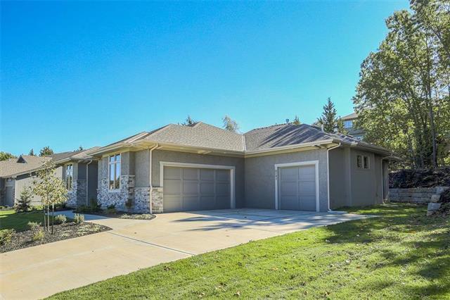 6745 Longview Road, Shawnee, KS 66218 (#2126309) :: No Borders Real Estate