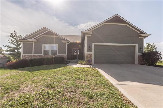 16019 Cedar Street, Basehor, KS 66007 (#2126407) :: HergGroup Kansas City