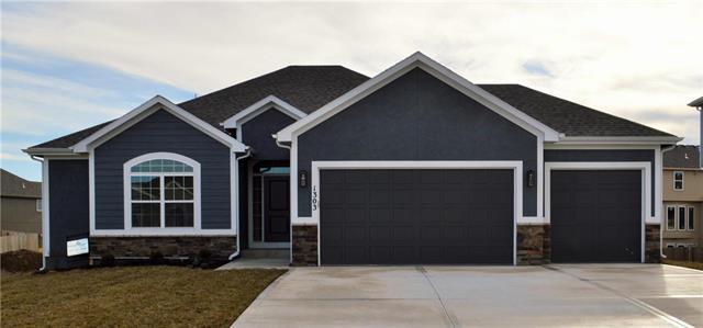 1303 NW 95 Street, Kansas City, MO 64155 (#2126498) :: Kansas City Homes