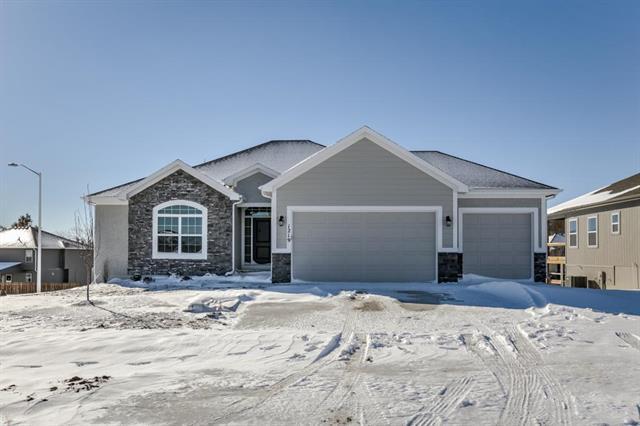 1219 NW 94 Terrace, Kansas City, MO 64155 (#2126501) :: Team Real Estate