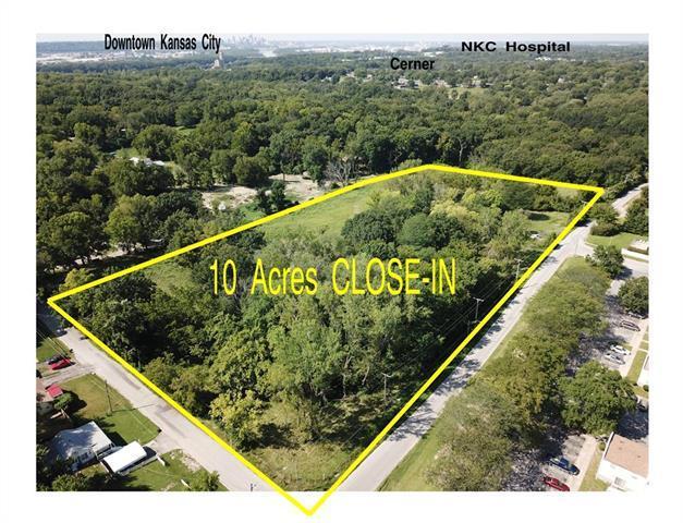 5801 NE Russell Road, Kansas City, MO 64117 (#2126657) :: Team Real Estate