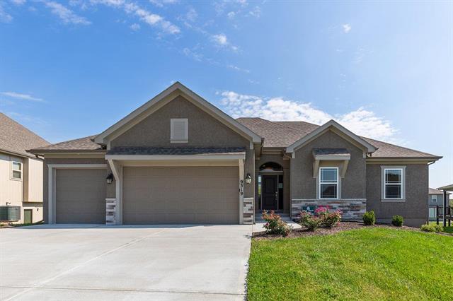 9319 N Bell Street, Kansas City, MO 64155 (#2126701) :: Team Real Estate