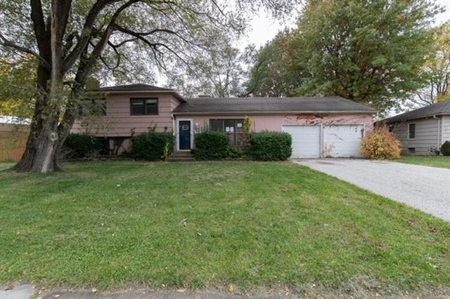 5507 W 99th Terrace, Overland Park, KS 66207 (#2126740) :: No Borders Real Estate