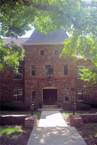 8361 Somerset Drive #304, Prairie Village, KS 66207 (#2126767) :: No Borders Real Estate